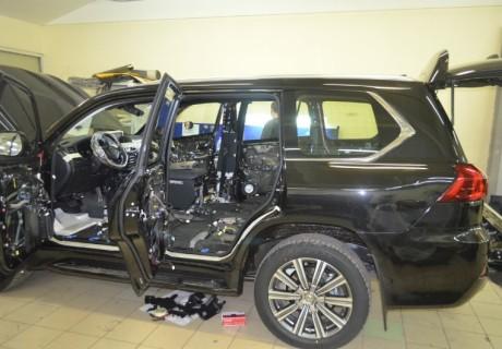Полная шумоизоляция и установка доводчиков дверей на Lexus LX570