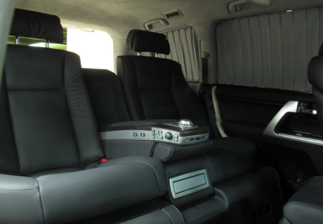 Переоборудование заднего пространства под сиденья от BMW 7-ой серии