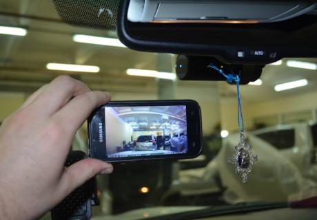 Видеорегистратор Blackvue 650 с WiFi на Lexus LX 570